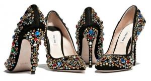 mucevher-ayakkabilar-trendseyler