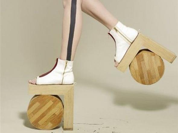 trendseyler-tuhaf-ayakkabı
